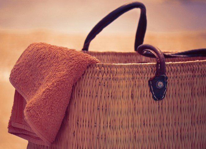3 consigli per proteggere la borsa in spiaggia